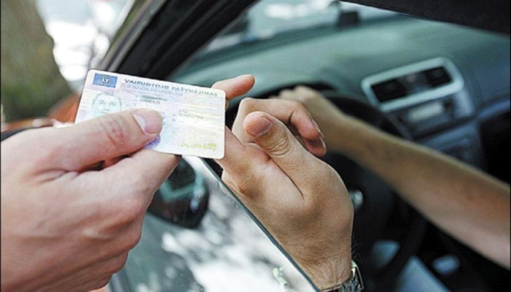 Имеет ли право дпс дать штраф машине без такографа и сколько