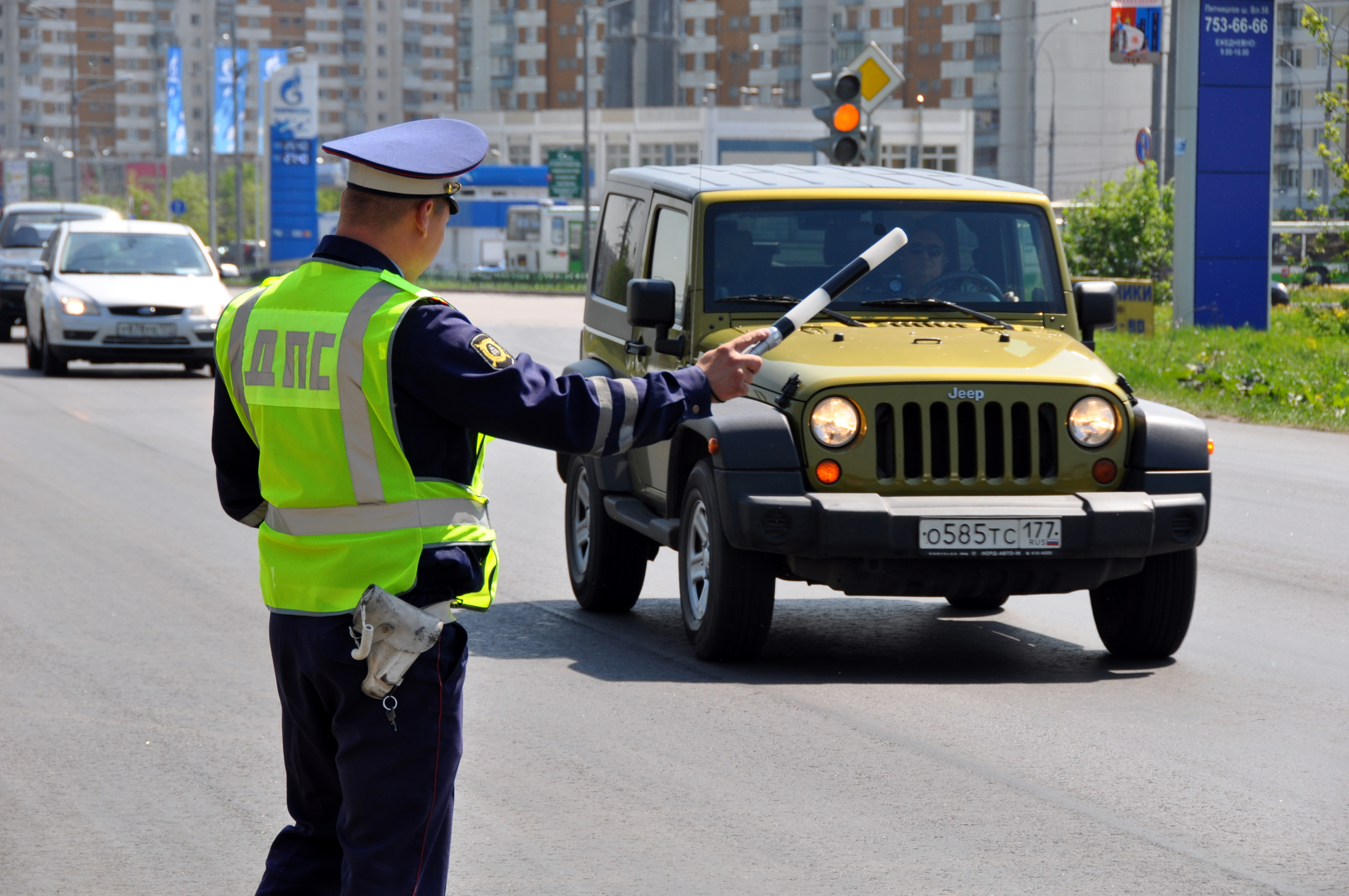 ГИБДД озвучила сумму штрафа за опасное вождение